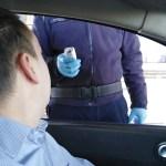 Na Merdaru policija meri temperaturu putnicima