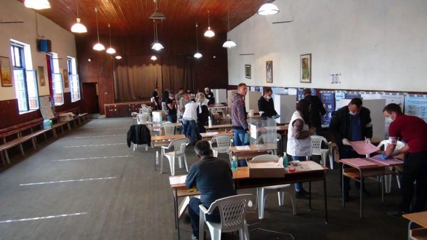 Пребројани гласови из Метохије, СНС победио свуда осим у Гораждевцу, туча у Рашки