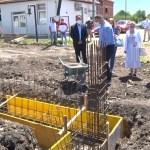 Поповић положио камен темељац за школу