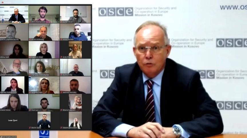 Мисија ОЕБС-а на Косову обучава наставнике о управљању стресом током ковида-19