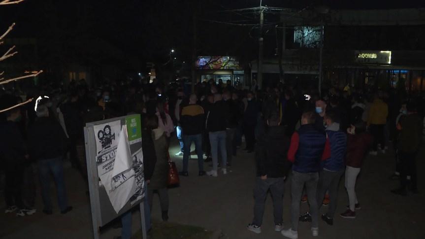 Родитељи ухапшених због туче у Лапљем Селу апелују да се они ослободе