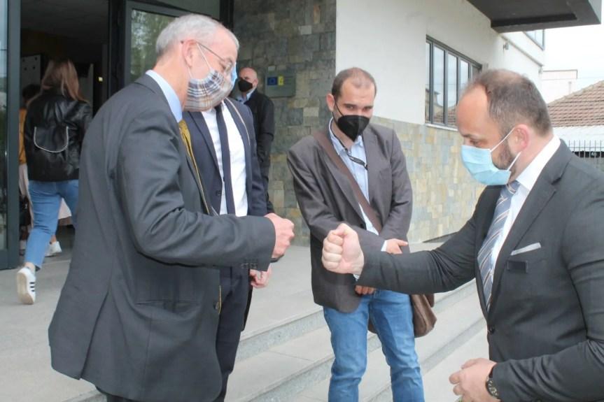 Шеф ОЕБС-а Мајкл Девенпорт у посети општини Северна Митровица