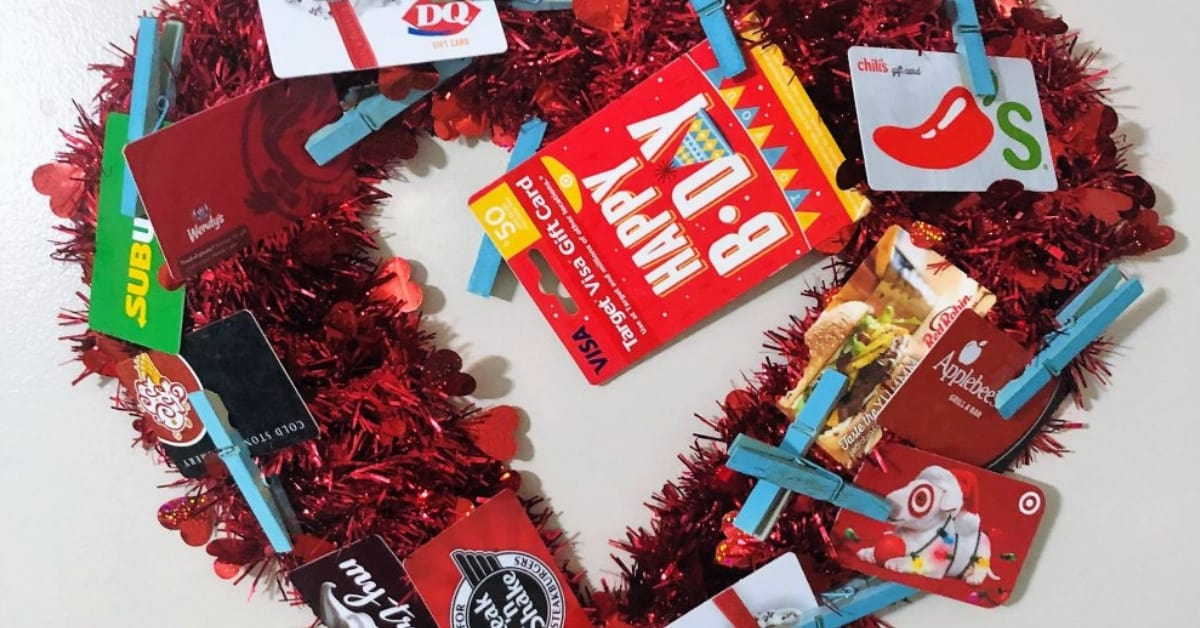 Want a Fun Way to Give Money? Make a Gift Card Wreath
