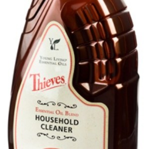 Using Thieves Household Cleaner