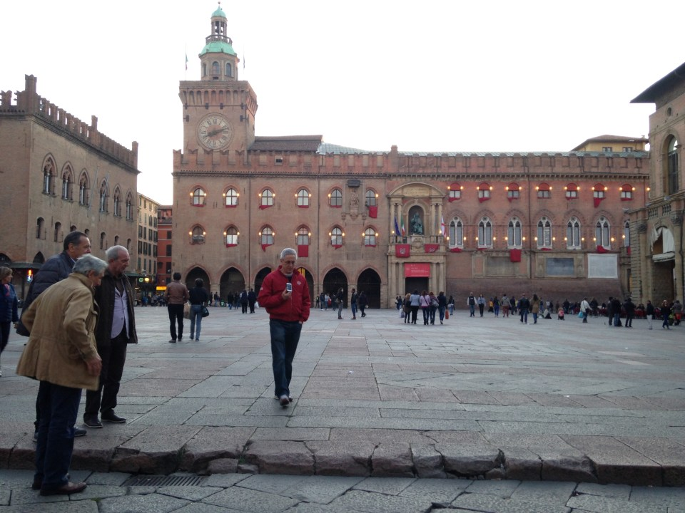 Visiting the broken curb in Piazza Maggiore today.