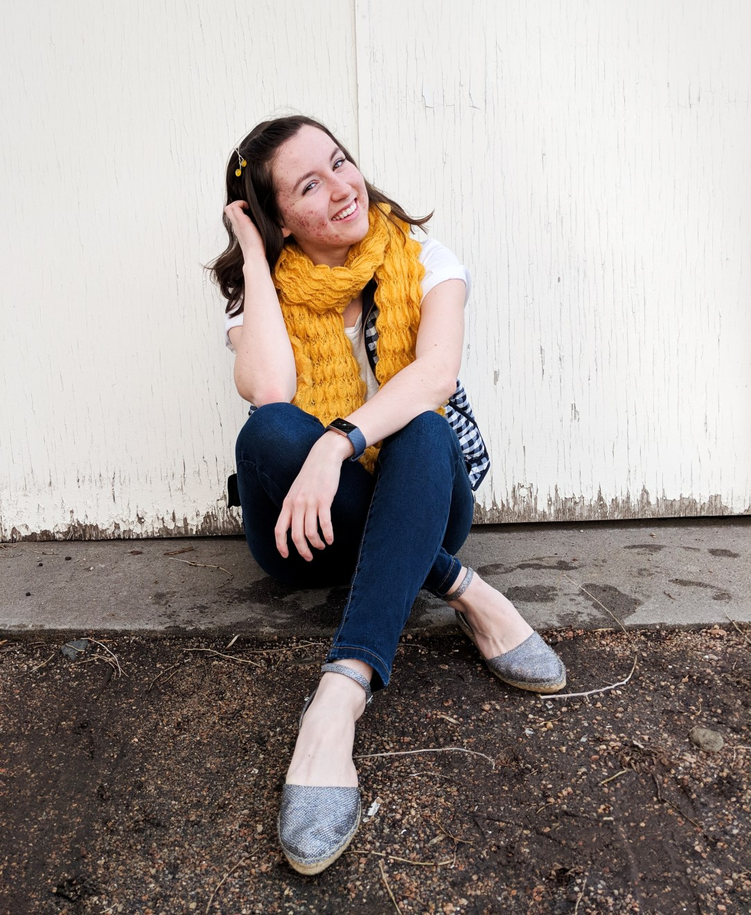 casual outfit with yellow and navy