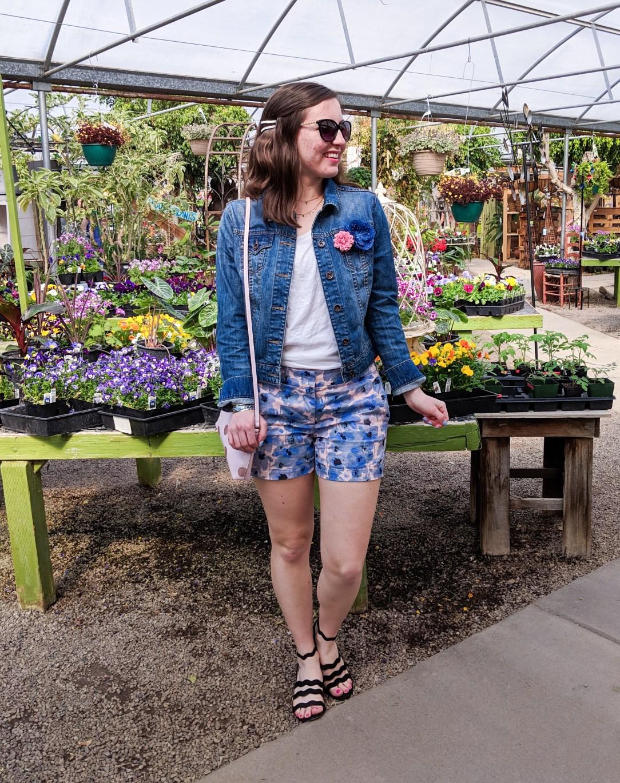 spring outfit, blue floral shorts, denim jacket