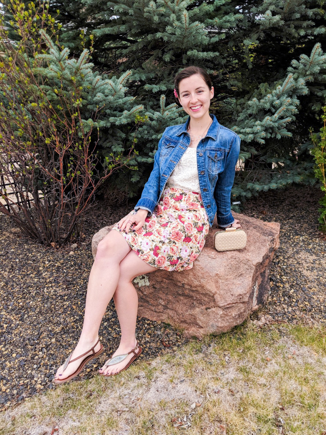 ways to style pink, jean jacket, floral skirt, rose pattern