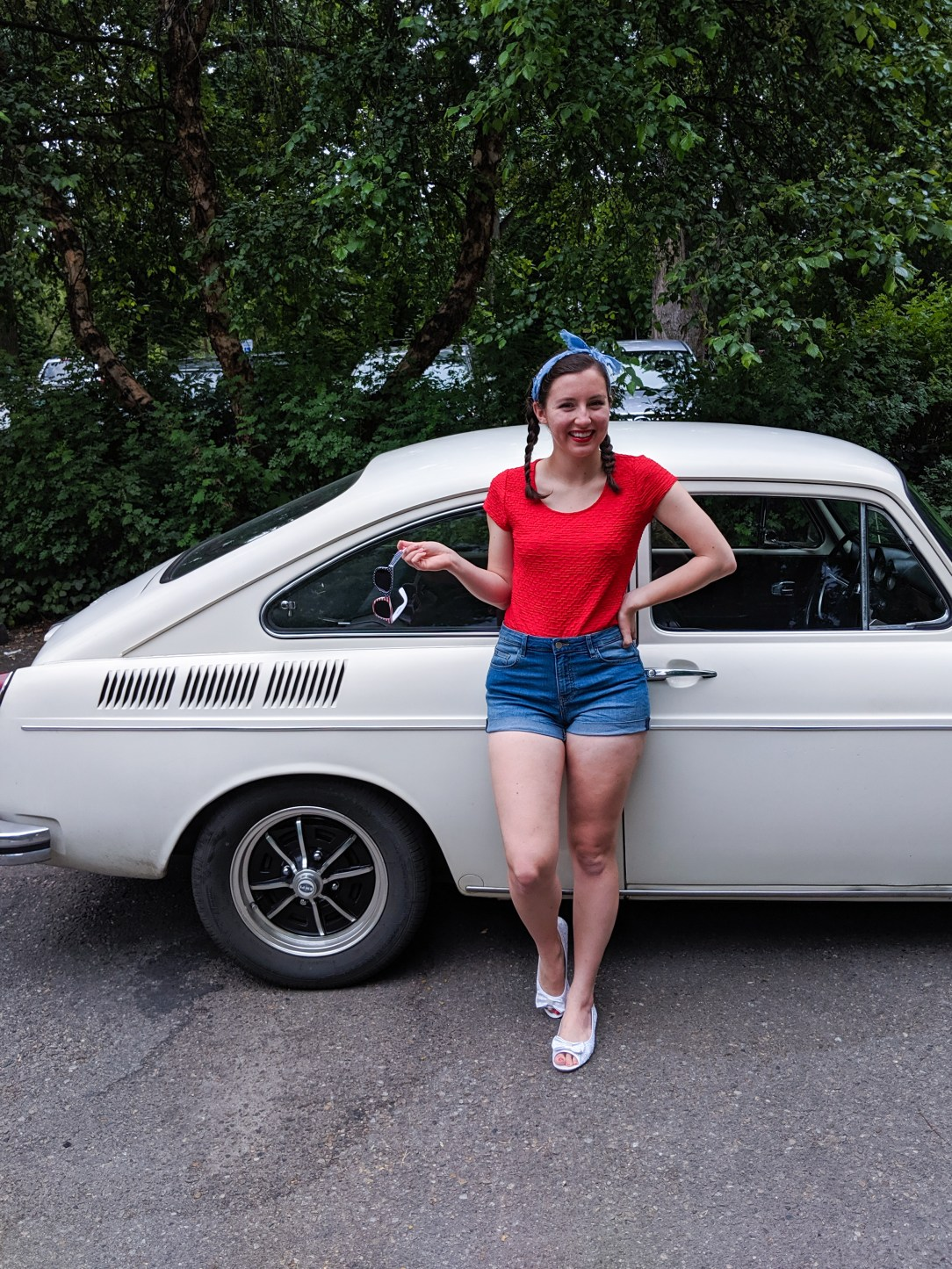 1970 Volkswagen Fastback, patriotic outfit, USA