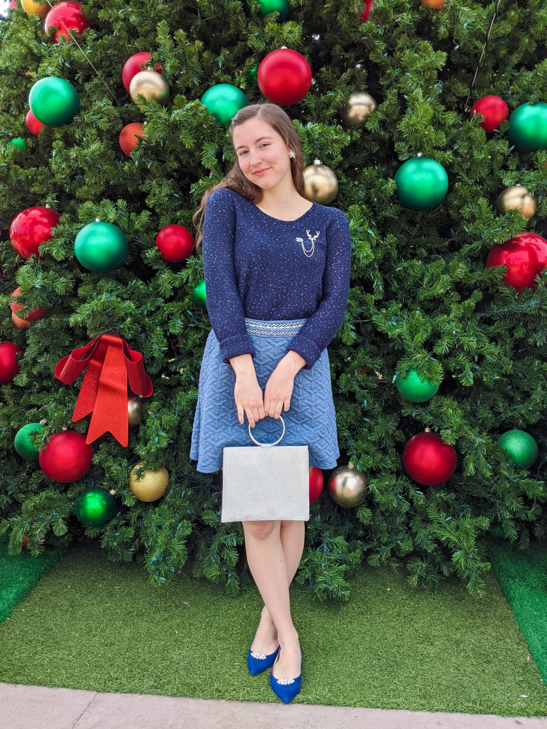 sparkly sweater, navy, holiday outfit, winter blues, sparkly purse