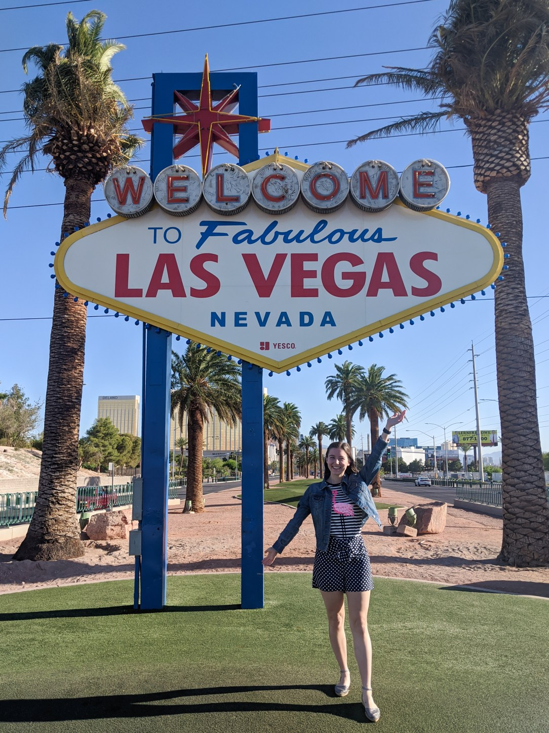 las-vegas-sign-tourist-attractions-social-distancing
