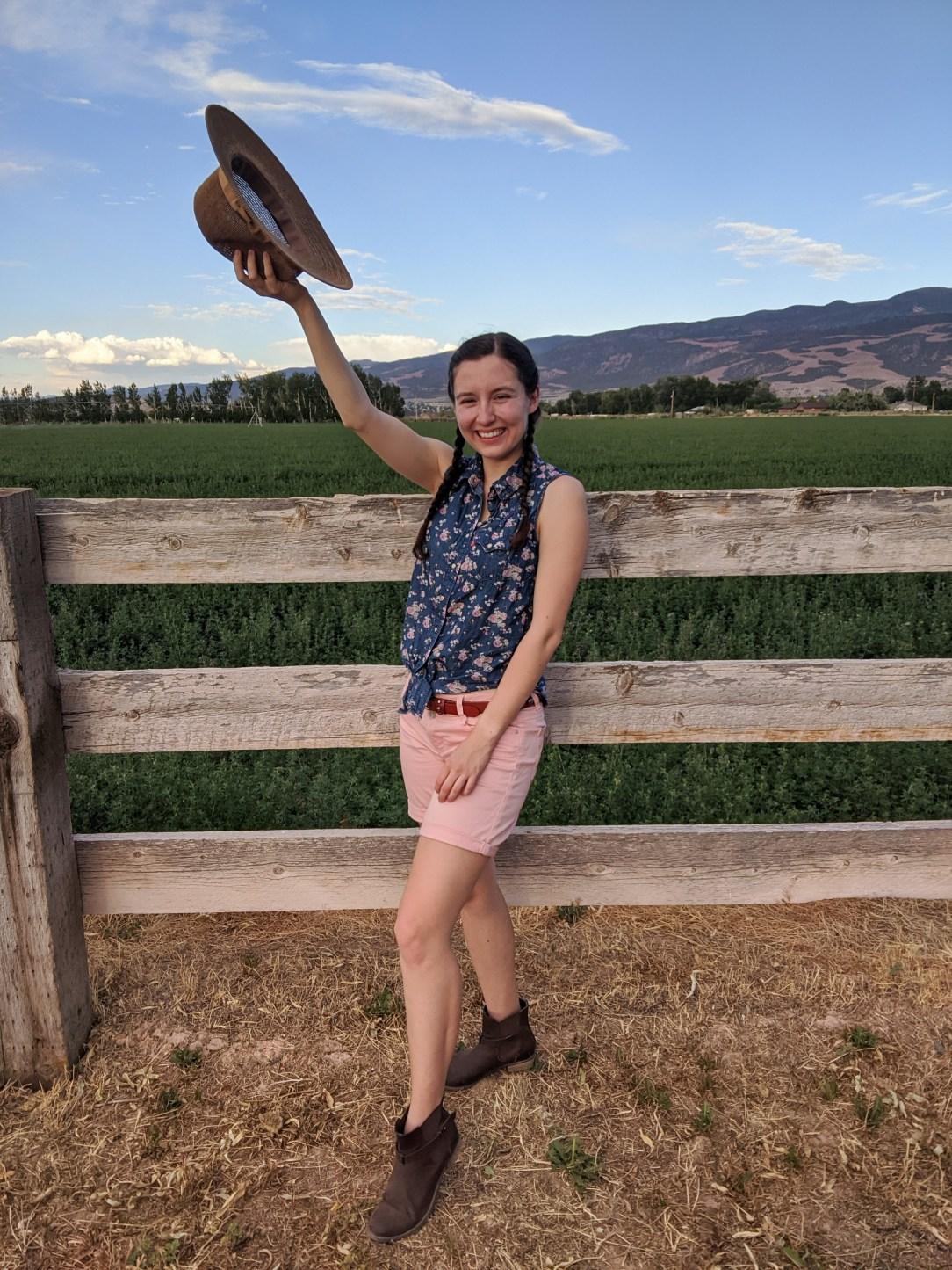 farm-girl-country-farming-western-style