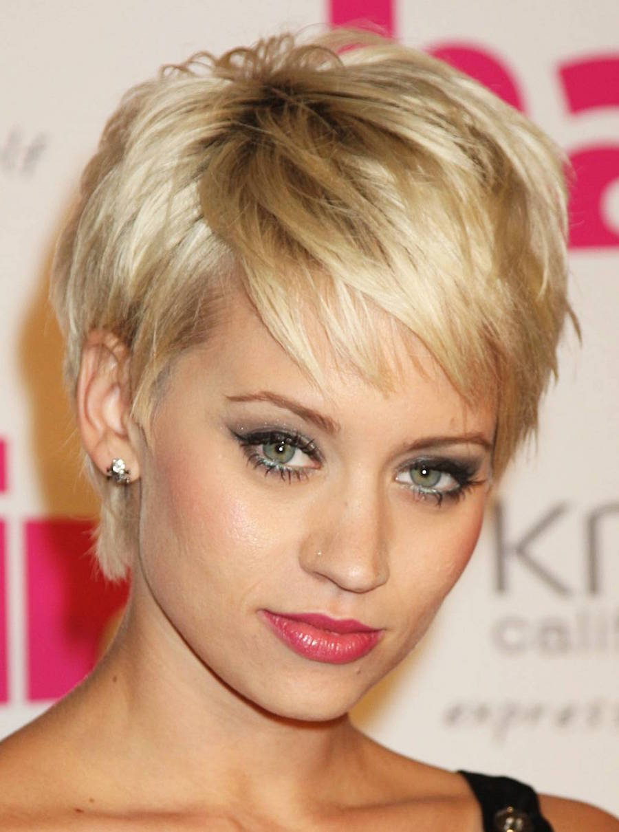 Short and with a Alternating Parting Hairstyles