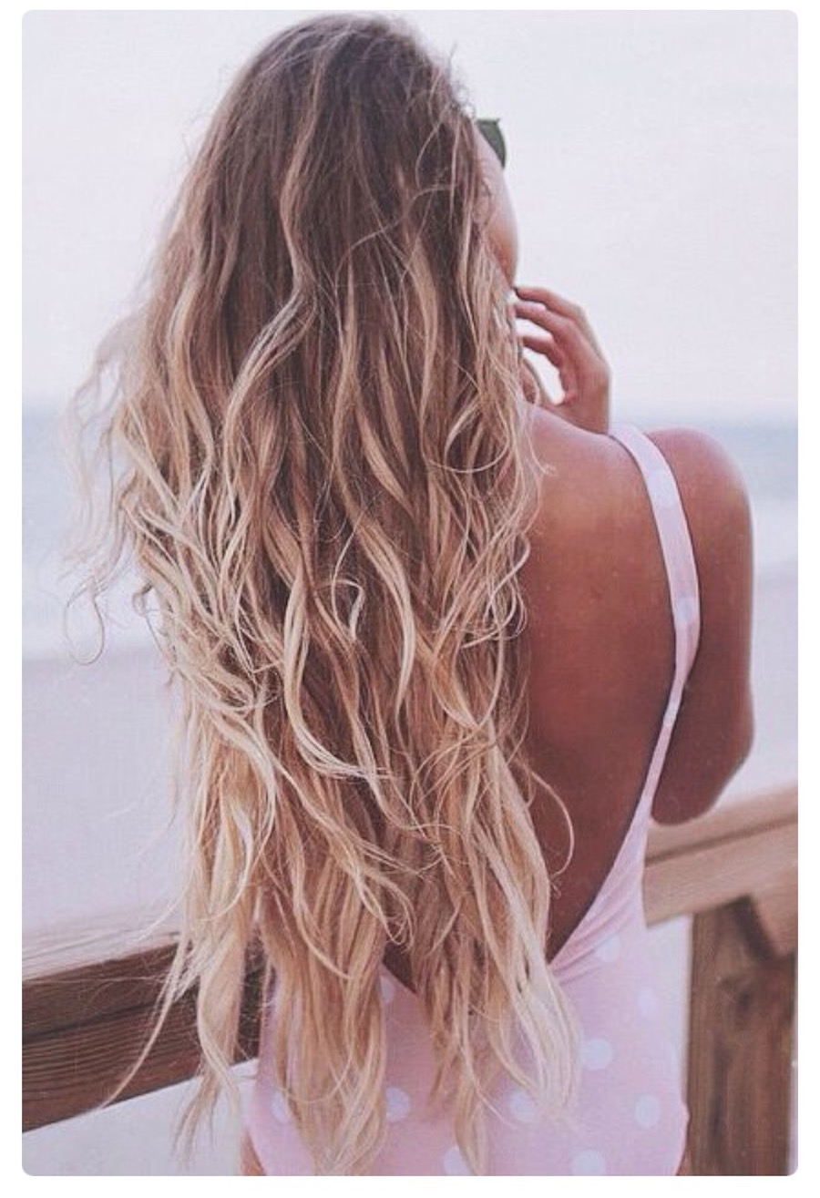 Beach hairstyles: Cali girls vibe