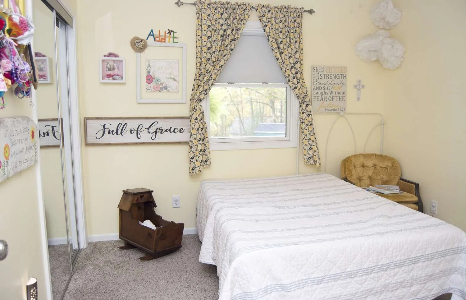 Girl's Bedroom Decor   A Simple and Sweet Makeover   Grace ... on Room Decor Girls  id=92528