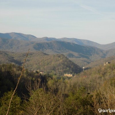 Planning Your Romantic Smoky Mountain Getaway