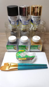 How to Make Painted Glitter Mason Jars #masonjars #easycrafts #diy #diyhomedecor
