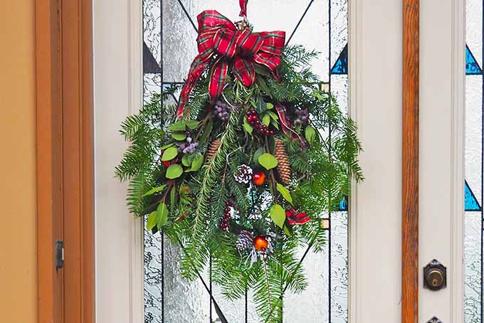 How to Make a living holiday wreath or swag