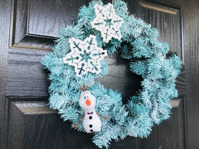 How to Make a Frozen Inspired Wreath