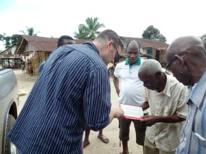 Suggesting they read the Gospel of John to be reminded of God's free gift of salvation.