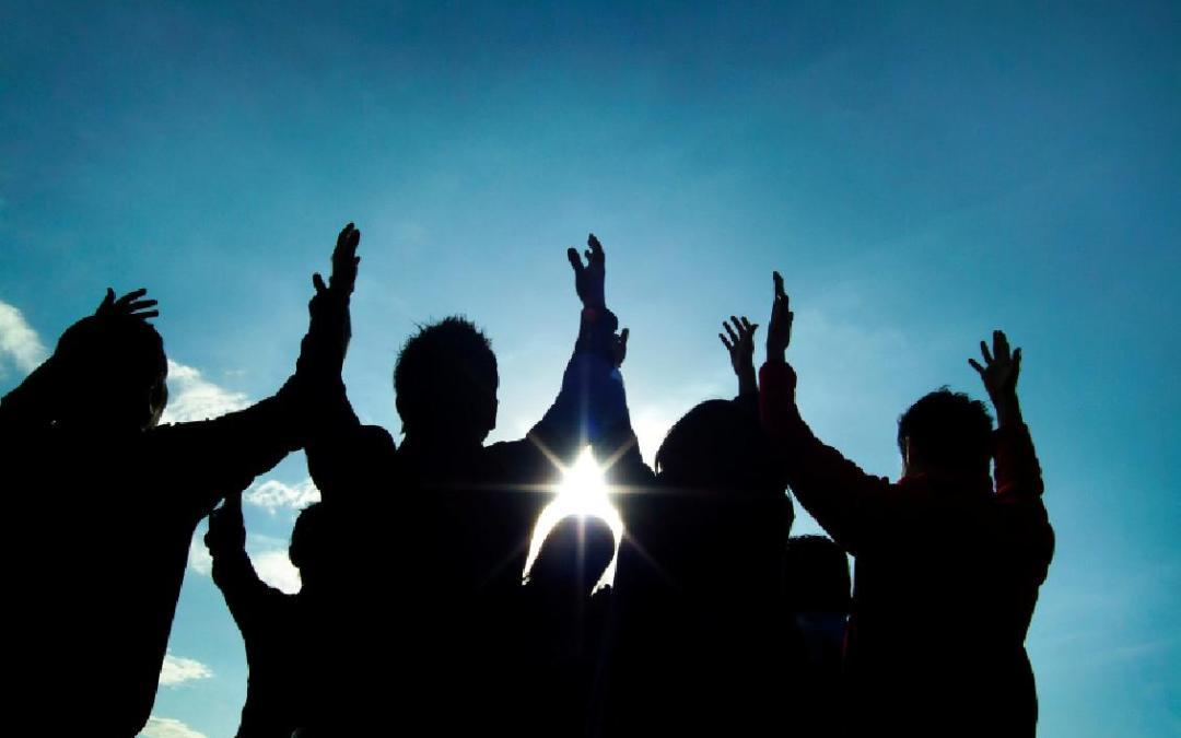 Adoración y Alabanza a Dios en el Culto Público