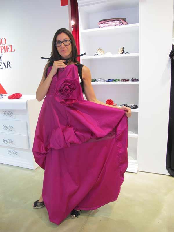 Veneno En La Piel - purple dress