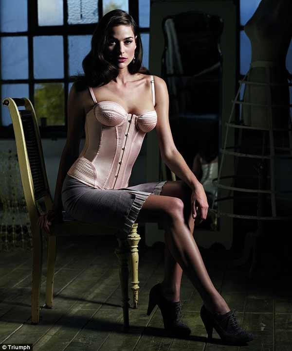 vintage-corsets,-triumph
