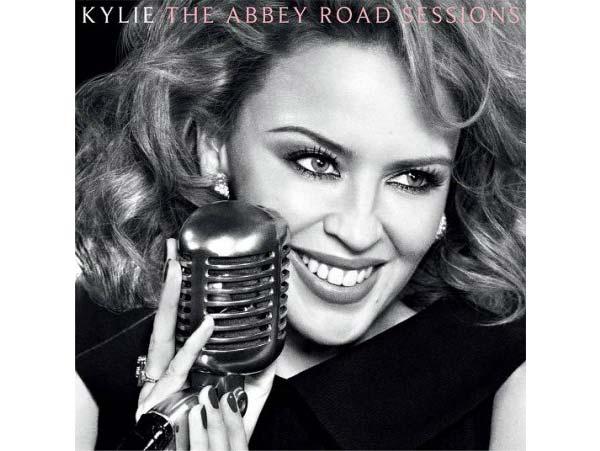 Kylie Minogue – Stage Fashion Hits