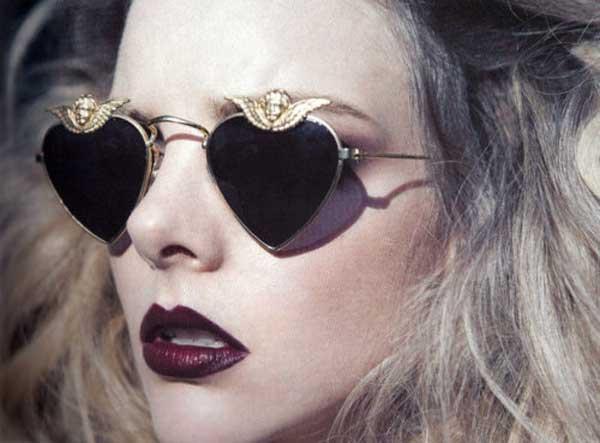 glamour-goth,-glasses