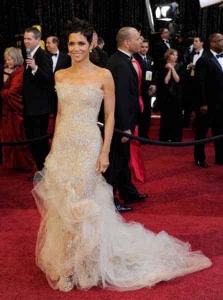 Red Carpet Dresses - A Princess Fashion Dream (9)