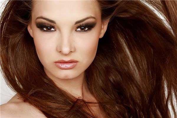 Make Up For Women In Photoshoots
