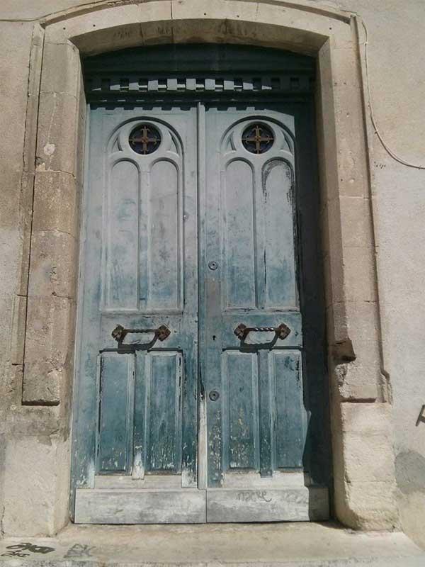 france-old-door