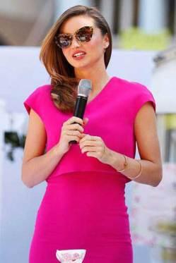 Miranda-Kerr-wearing-miu-miu-sunglasses