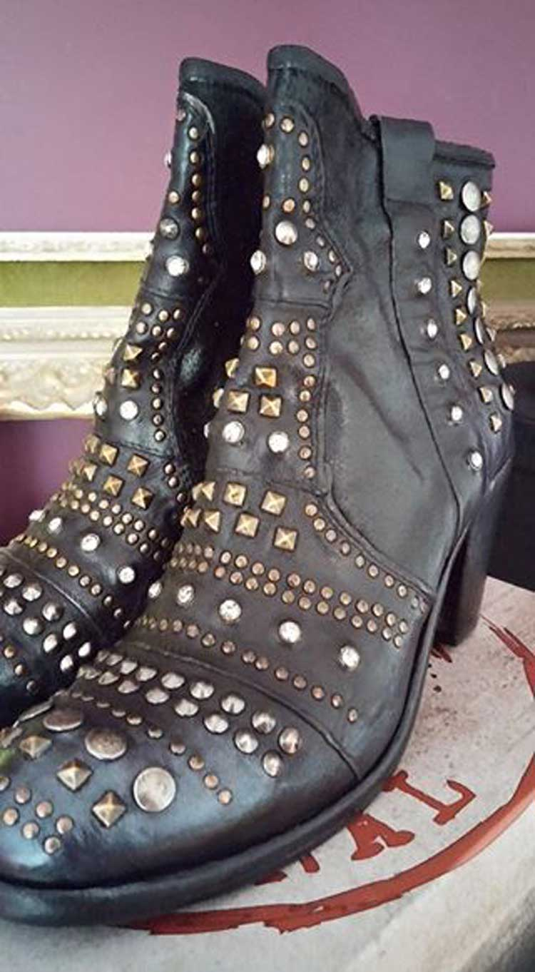 we-are-the-original-cowboy-boots-leather,-metal,-bling-gracie-opulanza