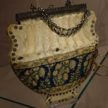 Museum of Bags and Purses in Amsterdam Gracie Opulanza (16)