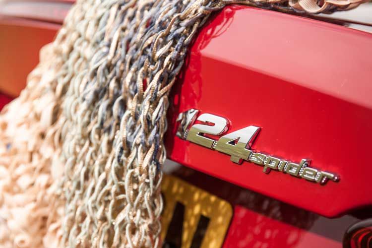 fiat124-spider-gracie-opulanza-for-menstylefashion-car-review-41