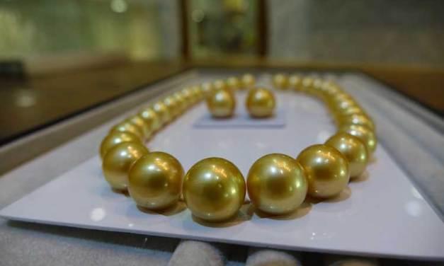 Keshi Pearl – How To Wear Pearls