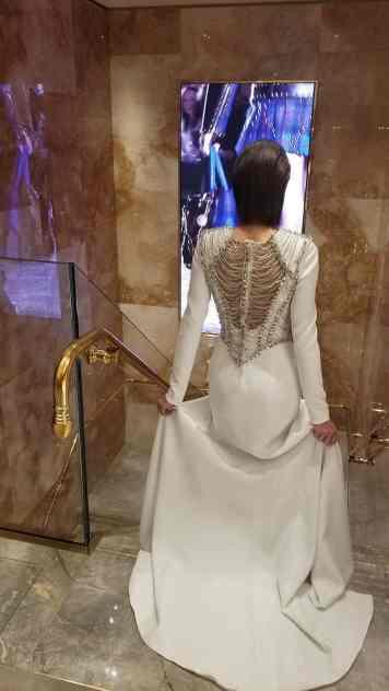 Versace 2018 Catwalk London Gracie Opulanza (19)