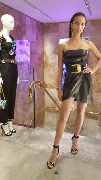 Versace 2018 Catwalk London Gracie Opulanza (5)