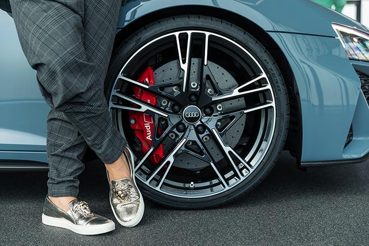 Audi R8 V10 Performance Quattro - Runway Trends 2019