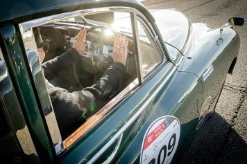 Jaguar Classic Car Track Day MenStyleFashion 2018 Gracie Opulanza (4)