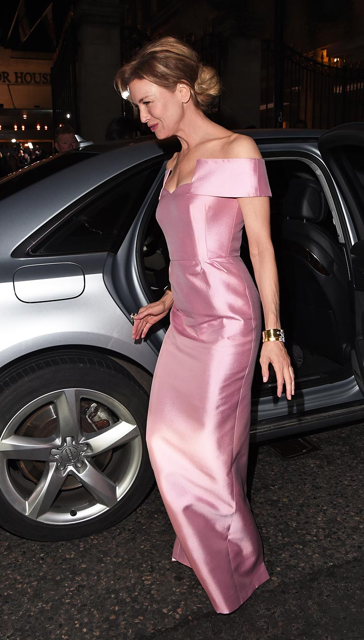 Renee-Zellweger-arrives-in-an-Audi-at-the-EE-British-Academy-Film-Awards-Dinner-2020-at-Grosvenor-House,-London,-Sunday-02-February-2020