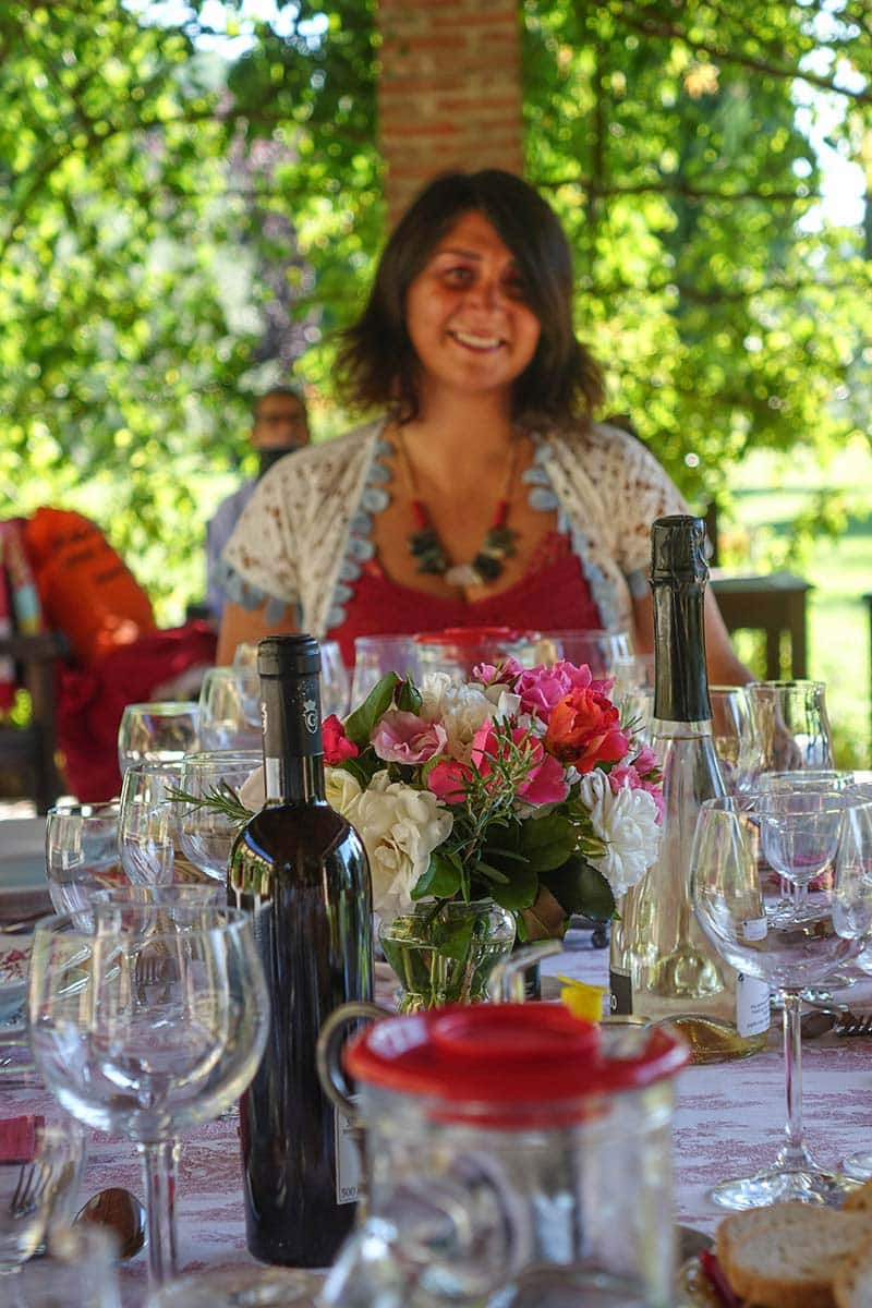 Fattoria Mansi Bernardo outdoor eating (6)