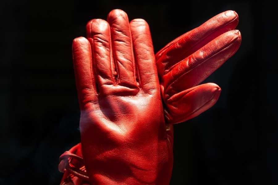Leather vintage gloves