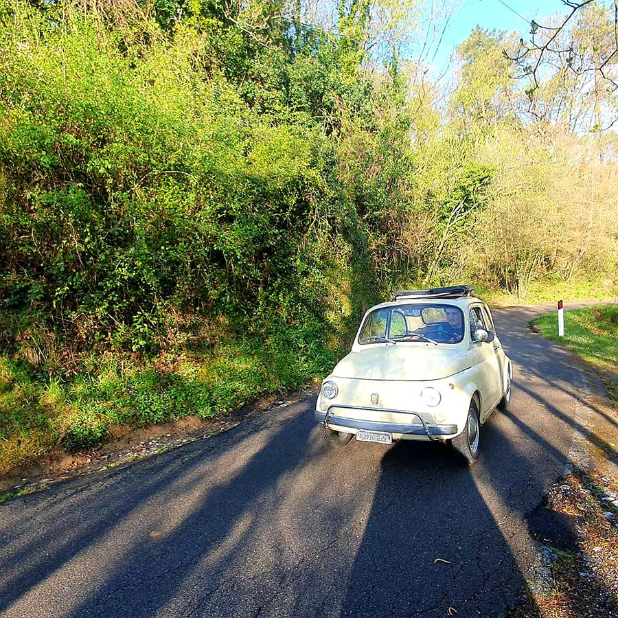 Fiat 500 - Tuscany Lifestyle Tips Fiat spider classic cars Gracie Opulanza 2021 (13)