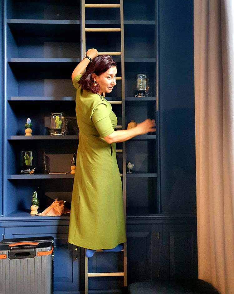 Olive Green - How To Wear Green With Bold Accessories