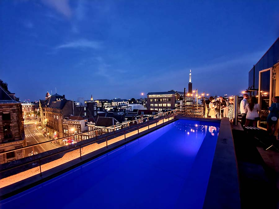 WAmsterdam rooftop swimmingpool