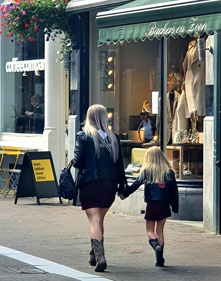 cowboy boots mother and daughter Holland