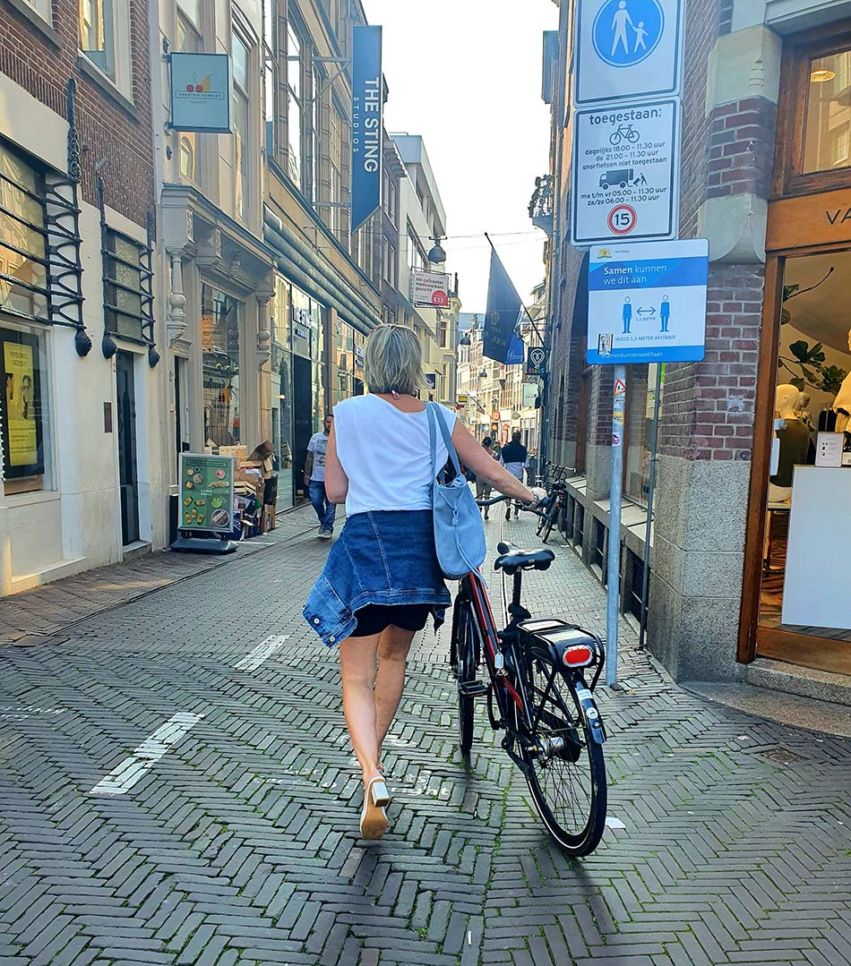 Fashion For Fifties - Holland Cycling Style Tips