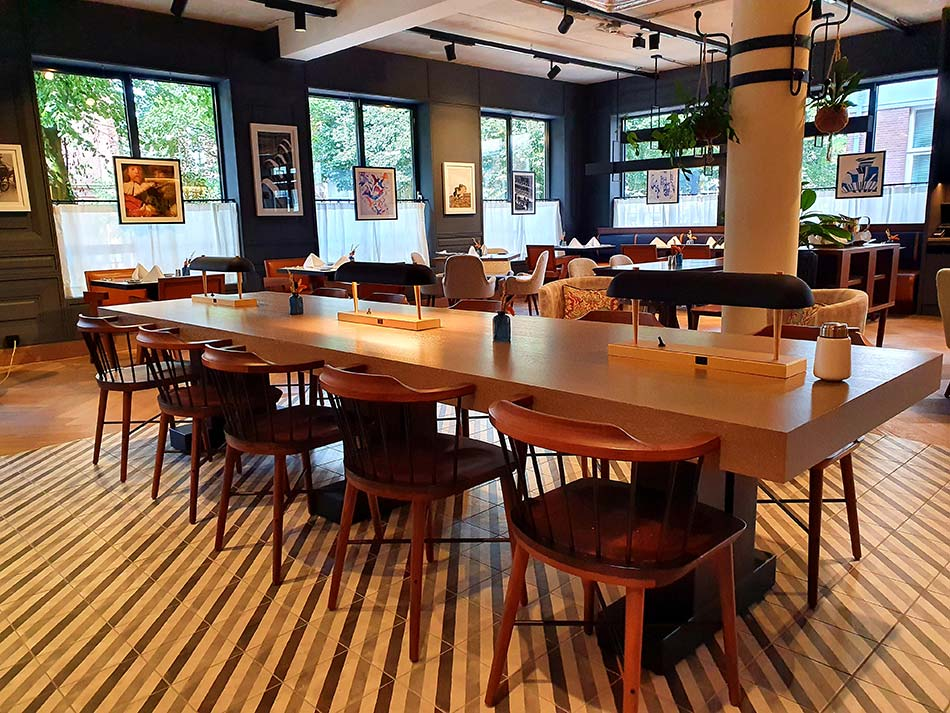 Dining table trends 2021